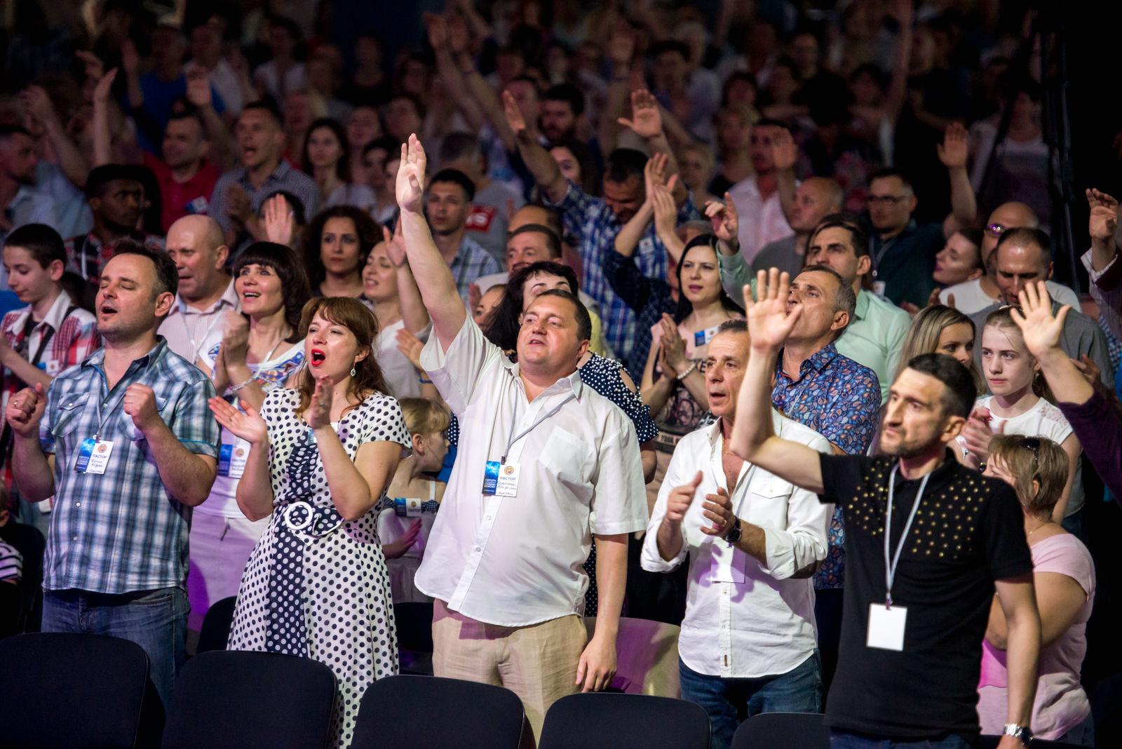 5 травня. Вечірнє зібрання. Доктор Девід Херцог: «Слава Божа плюс сказане слово Боже дорівнює чуду!»
